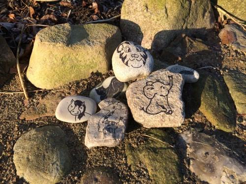 Håndtegnede sten